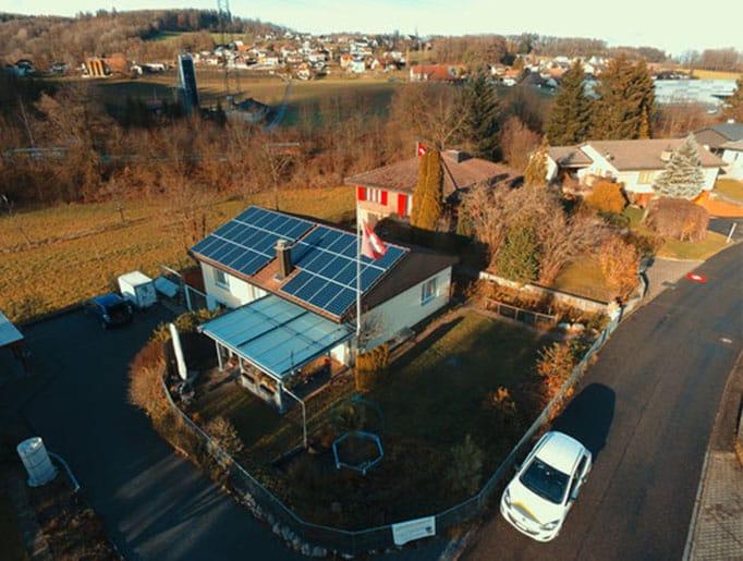 Referenzen, Safenwil | Flachdach | Kunz Solartech