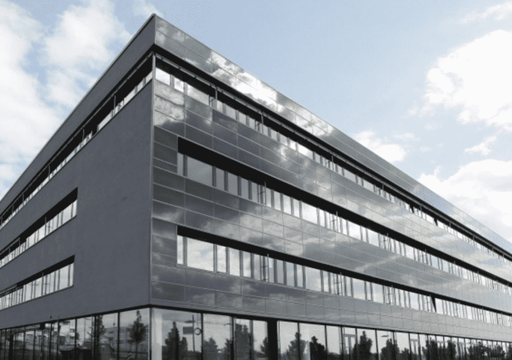 Solaranlagen - image Fassadensystem_Kunz_Solartech-1024x721 on https://kunz-solartech.ch