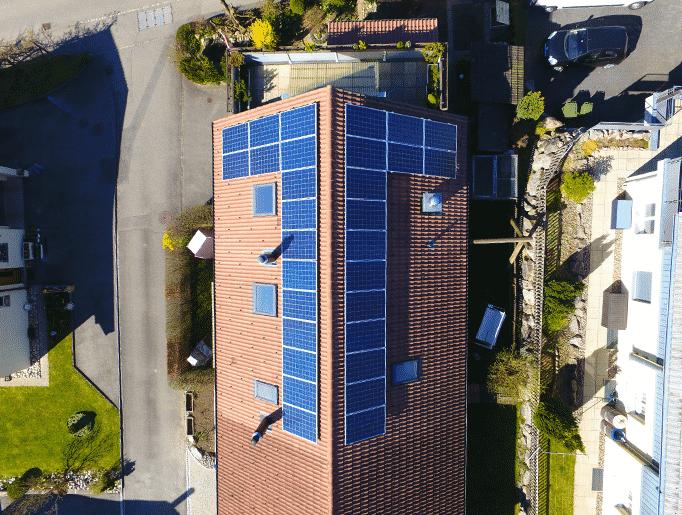 Theus - image Hodel_Reiden_Kunz_Solartech_Header_01 on https://kunz-solartech.ch