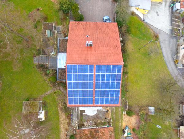 Referenzanlagen - image Theus_Kunz_Solartech_Beitrag_01-600x453 on https://kunz-solartech.ch