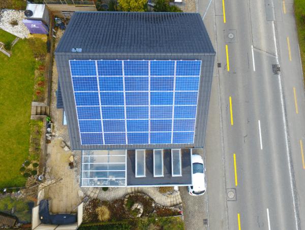 Referenzanlagen - image Wittwer_Kunz_Solartech_Beitrag_01-600x453 on https://kunz-solartech.ch