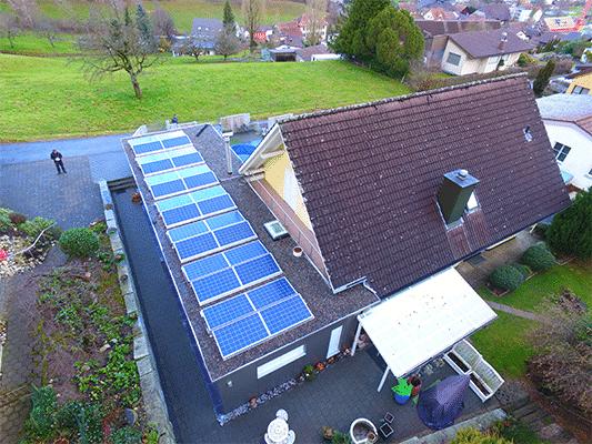 Drohnenfoto: Solaranlage Ost-West Suntech Power & Solventure SolarEdge optimiert ohne SolarSpeicher